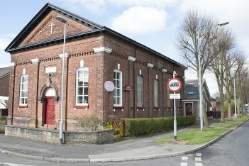 latchford baptist church loushers lane warrington WA4